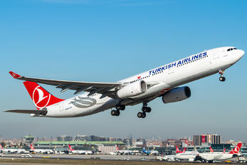 TC-JNH - Turkish Airlines Airbus A330-300