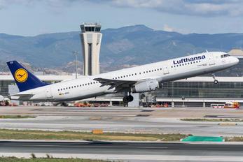 D-AIRX - Lufthansa Airbus A321