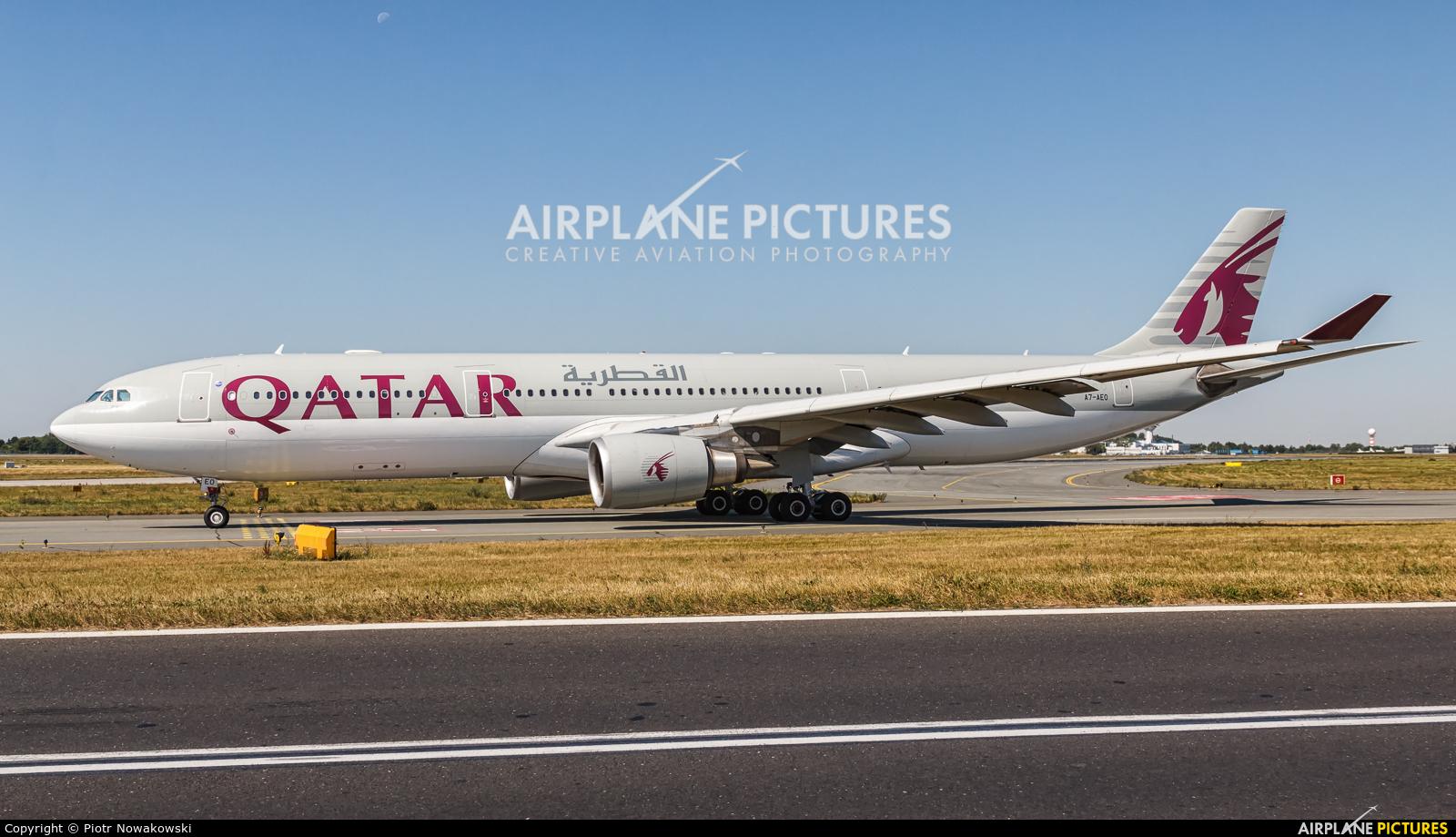 Qatar Airways A7-AEO aircraft at Warsaw - Frederic Chopin