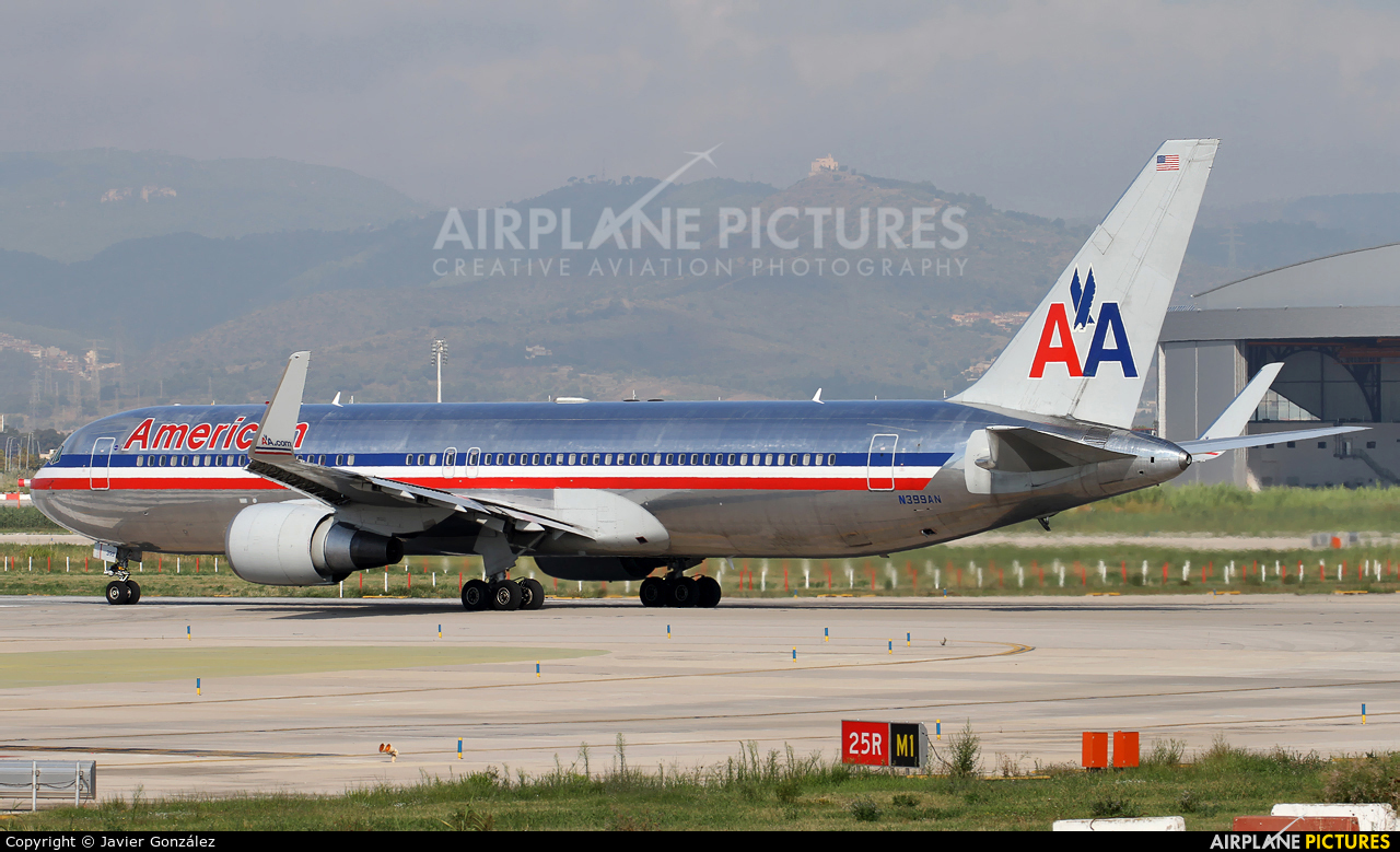 American Airlines N399AN aircraft at Barcelona - El Prat
