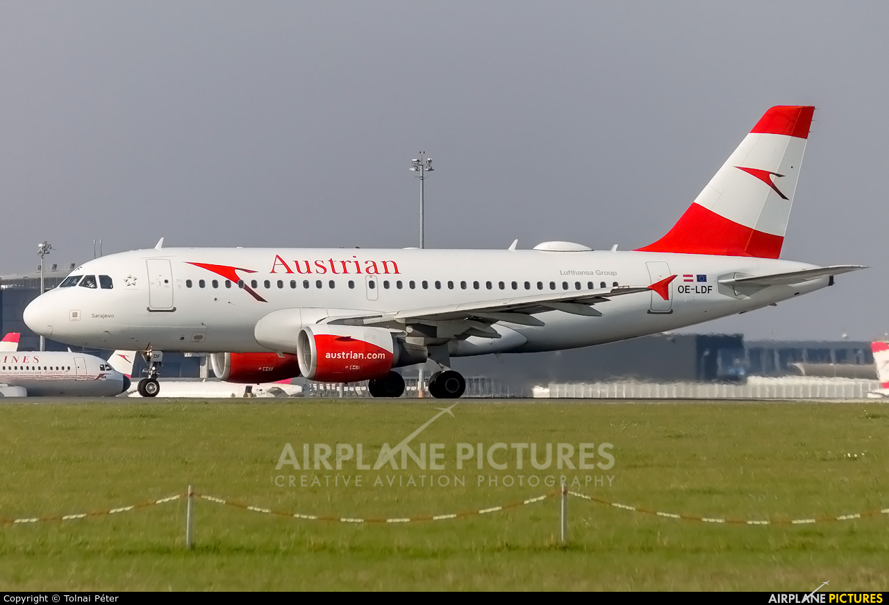 Austrian Airlines/Arrows/Tyrolean OE-LDF aircraft at Vienna - Schwechat
