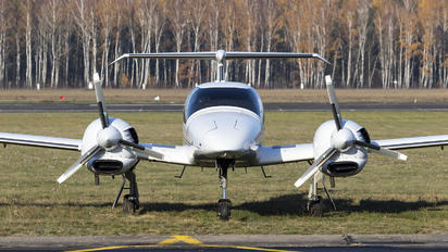 SP-SZE - Fly Polska  Diamond DA 42 Twin Star
