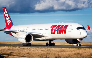 PR-XTB - TAM Airbus A350-900