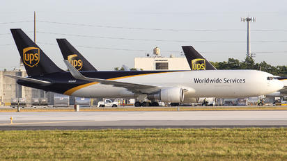 N324UP - UPS - United Parcel Service Boeing 767-300F