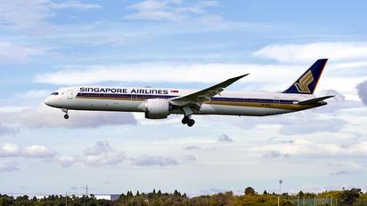 9V-SCA - Singapore Airlines Boeing 787-10 Dreamliner