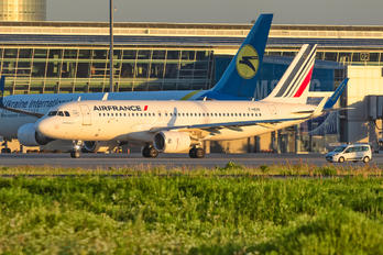 F-HEPK - Air France Airbus A320