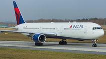 N832MH - Delta Air Lines Boeing 767-400ER aircraft