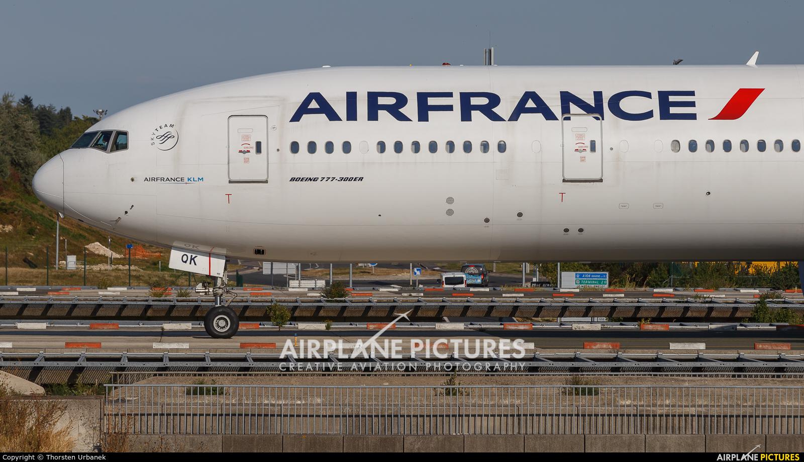 Air France F-GSQK aircraft at Paris - Charles de Gaulle