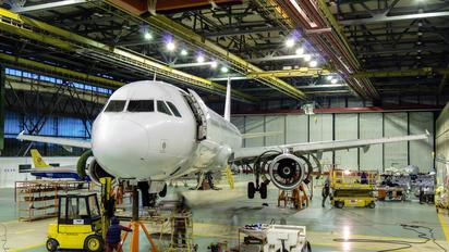 F-GYAN - Air Mediterranee Airbus A321