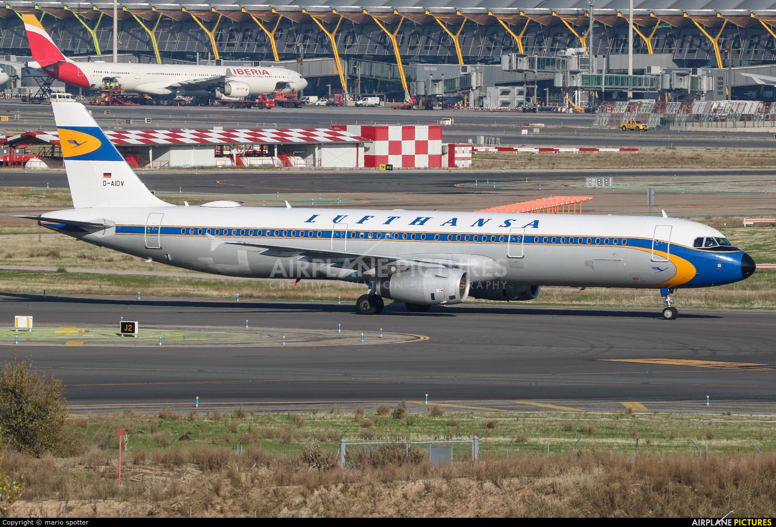 Lufthansa D-AIDV aircraft at Madrid - Barajas
