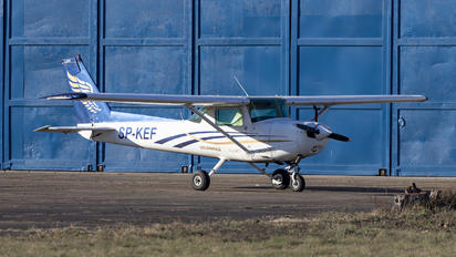 SP-KEF - Golden Wings Cessna 152