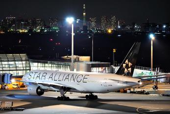 JA711A - ANA - All Nippon Airways - Airport Overview - Apron
