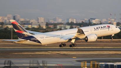 CC-BGN - LATAM Chile Boeing 787-9 Dreamliner