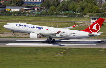 TC-JIT - Turkish Airlines Airbus A330-200