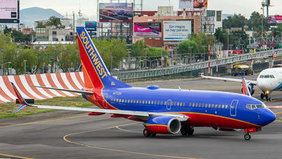 N7732A - Southwest Airlines Boeing 737-700