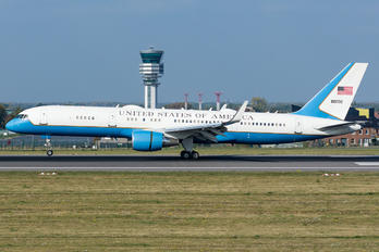 98-0002 - USA - Air Force Boeing C-32A