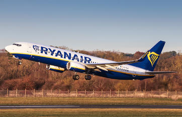 EI-GJI - Ryanair Boeing 737-8AS