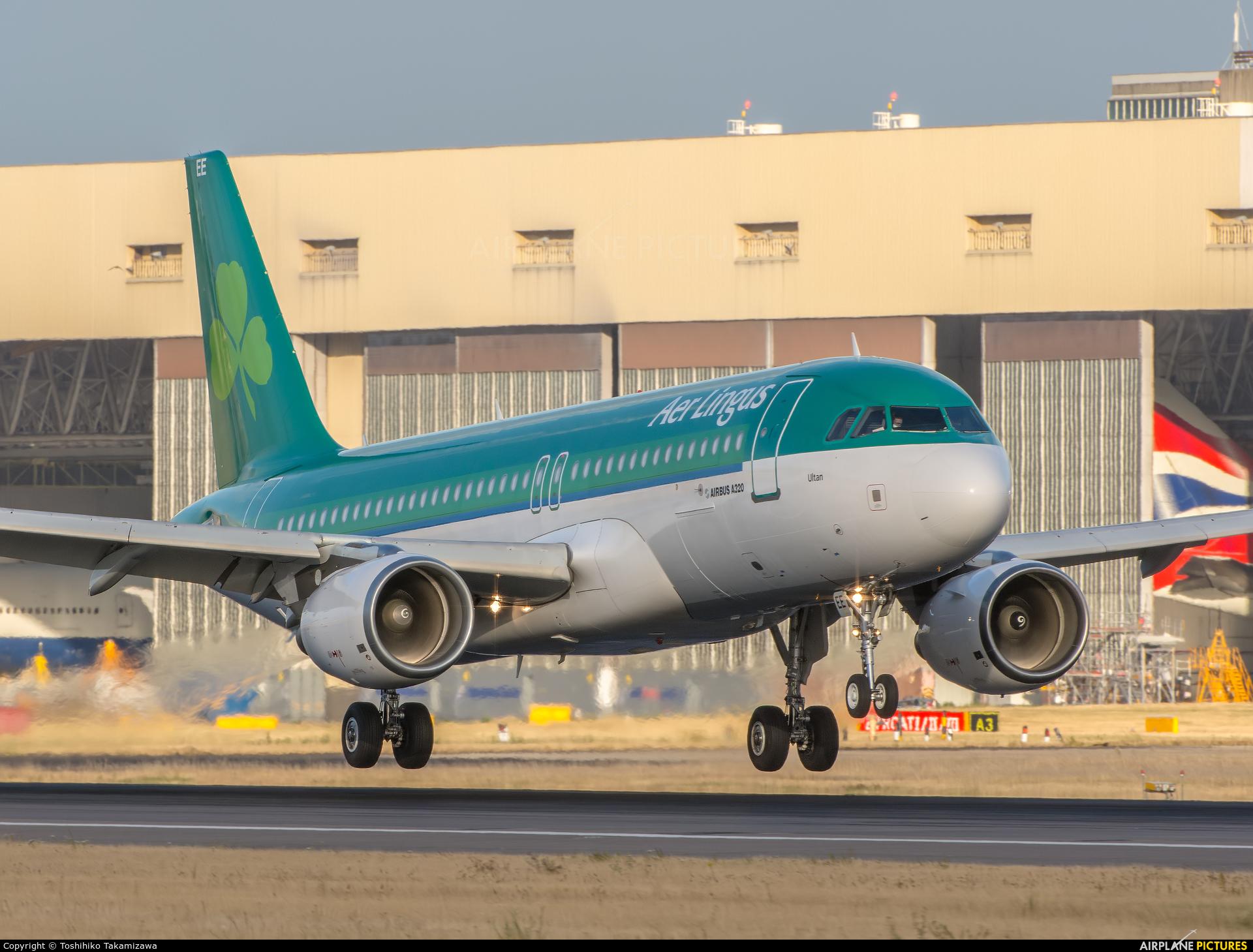 Aer Lingus EI-DEE aircraft at London - Heathrow