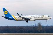 Ukraine International Airlines UR-UIA image