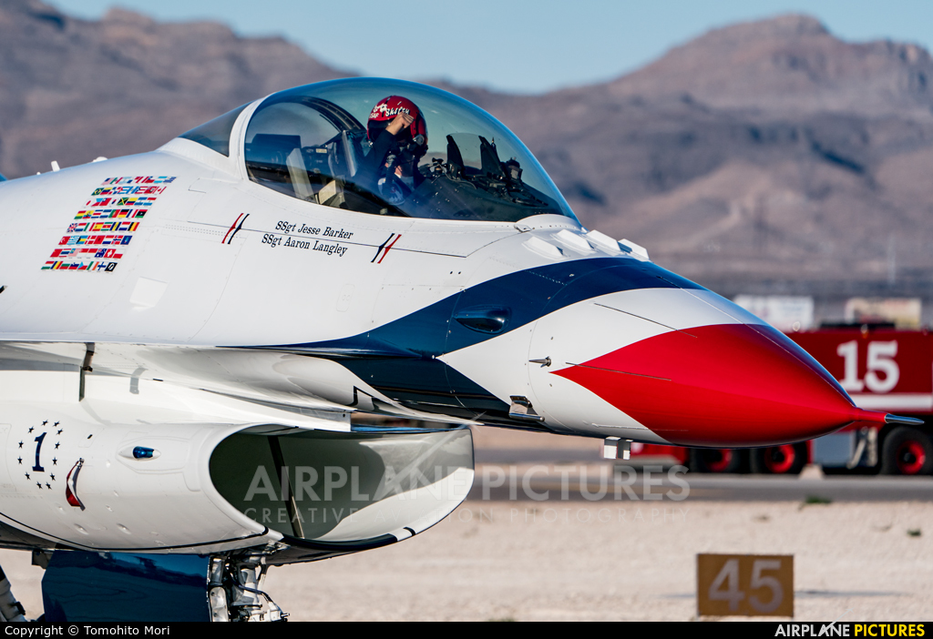 USA - Air Force : Thunderbirds 87-0319 aircraft at Nellis AFB