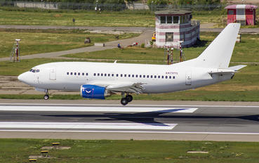 EK73775 - Taron-Avia Boeing 737-500