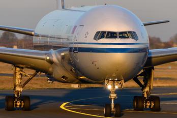 B2087 - Air China Boeing 777-300ER