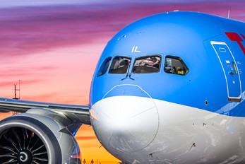 G-TUIL - TUI Airways Boeing 787-9 Dreamliner
