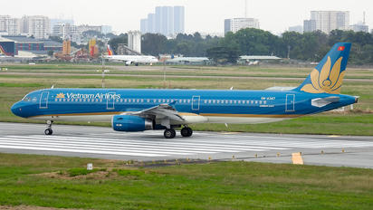 VN-A347 - Vietnam Airlines Airbus A321