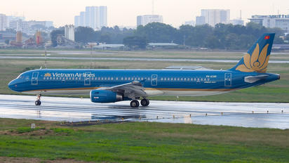 VN-A349 - Vietnam Airlines Airbus A321