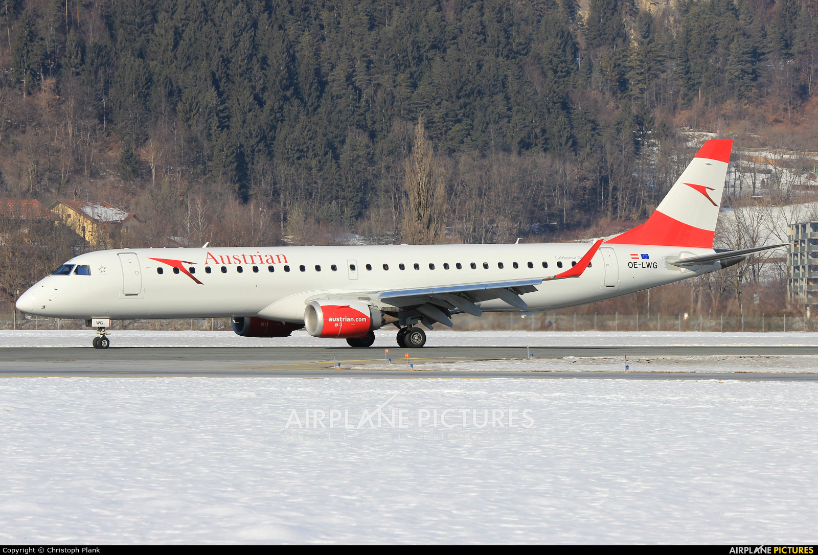 Austrian Airlines/Arrows/Tyrolean OE-LWG aircraft at Innsbruck