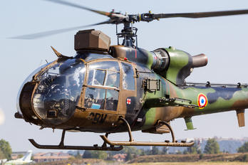 F-MGBW - France - Army Aerospatiale SA-341 / 342 Gazelle (all models)