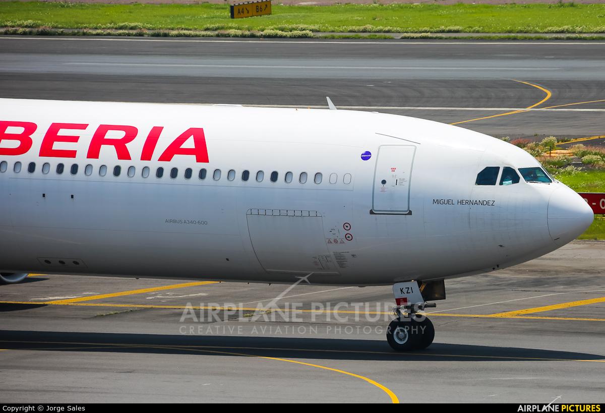Iberia EC-KZI aircraft at Mexico City - Licenciado Benito Juarez Intl