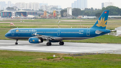 VN-A608 - Vietnam Airlines Airbus A321