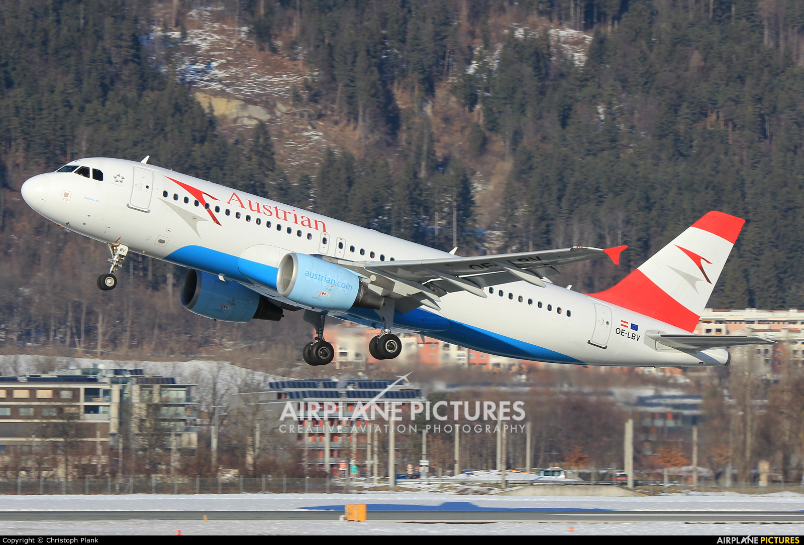 Austrian Airlines/Arrows/Tyrolean OE-LBV aircraft at Innsbruck