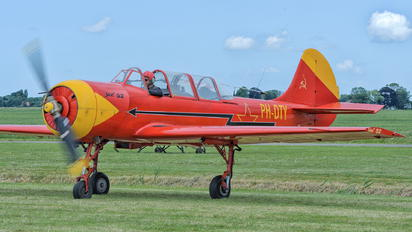 PH-DTY - Private Yakovlev Yak-52