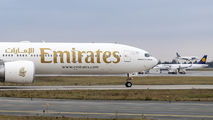 Emirates Airlines A6-ENU image