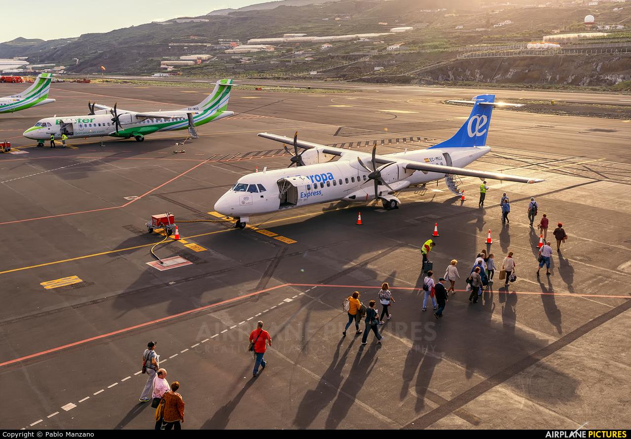 - Airport Overview - aircraft at Santa Cruz de La Palma