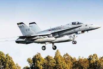 164240 - USA - Air Force McDonnell Douglas F-18C Hornet