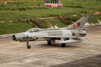 1427 - Bangladesh - Air Force Chengdu F-7BG