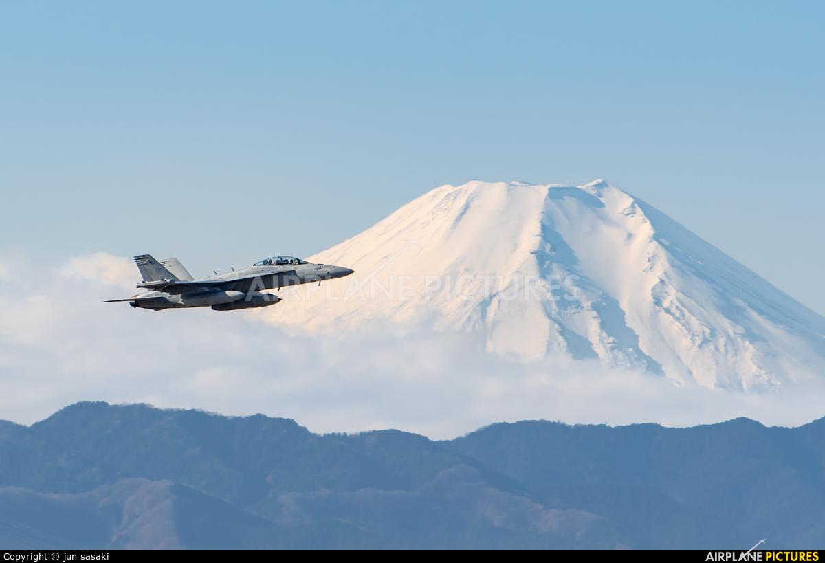 USA - Navy 168389 aircraft at Yokota AB