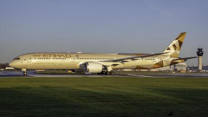 A6-BMA - Etihad Airways Boeing 787-10 Dreamliner