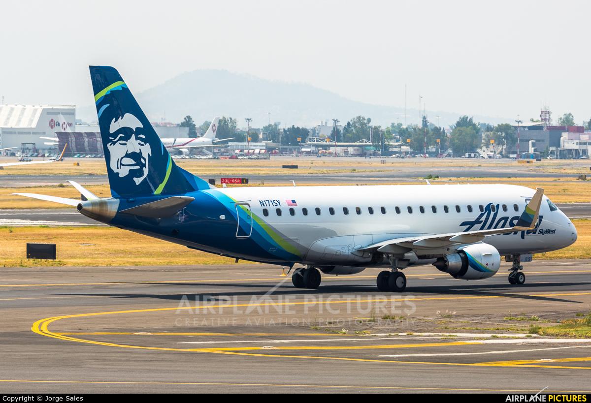 Alaska Airlines - Skywest N171SY aircraft at Mexico City - Licenciado Benito Juarez Intl