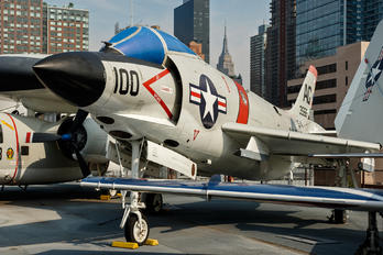 146739 - USA - Navy McDonnell F- 3 Demon