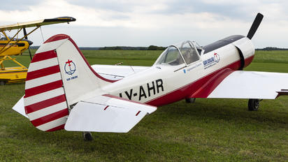 LY-AHR - Private Yakovlev Yak-50