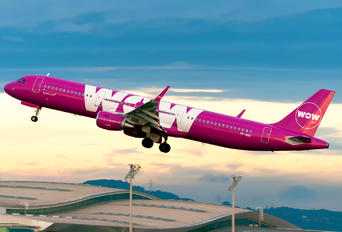 TF-DOG - WOW Air Airbus A321