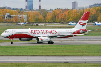 RA-64049 - Red Wings Tupolev Tu-204