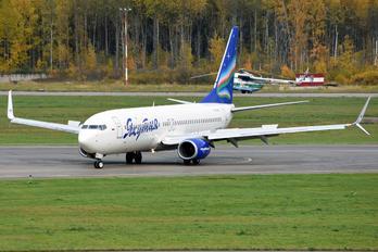 VQ-BIZ - Yakutia Airlines Boeing 737-800