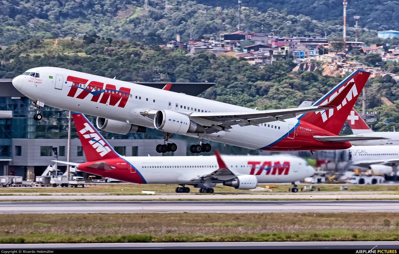 TAM PT-MOA aircraft at São Paulo - Guarulhos