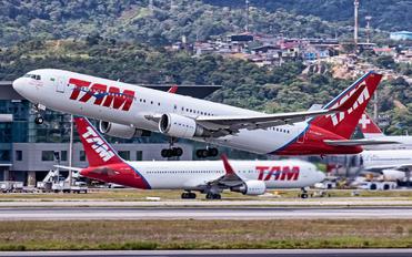 PT-MOA - TAM Boeing 767-300ER
