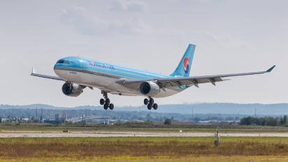 HL-8026 - Korean Air Airbus A330-300
